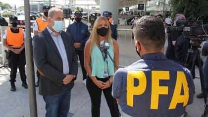 El Gobierno adelantó que no habrá vuelos de repatriación para los argentinos que salieron de la Argentina por turismo