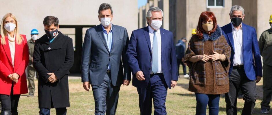 Alberto Fernández con Cristina Kirchner y Sergio Massa: «Nada nos va a hacer cambiar de idea, ni un fallo ni la tapa de un diario»